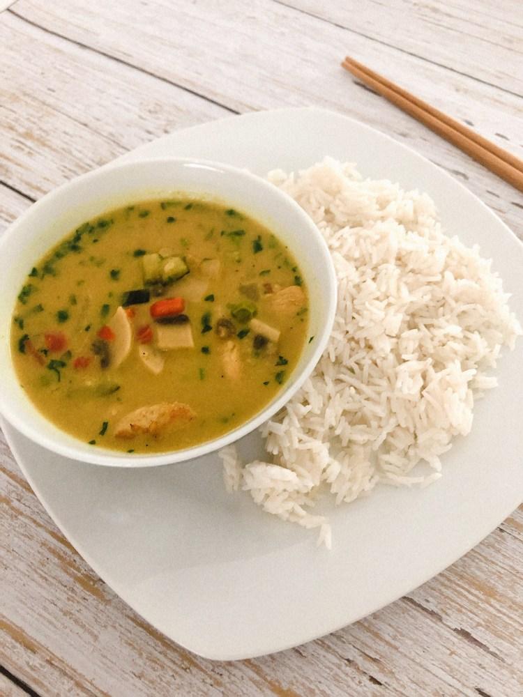 Currysaus met kokosmelk recept - kokos-currysaus maken-4