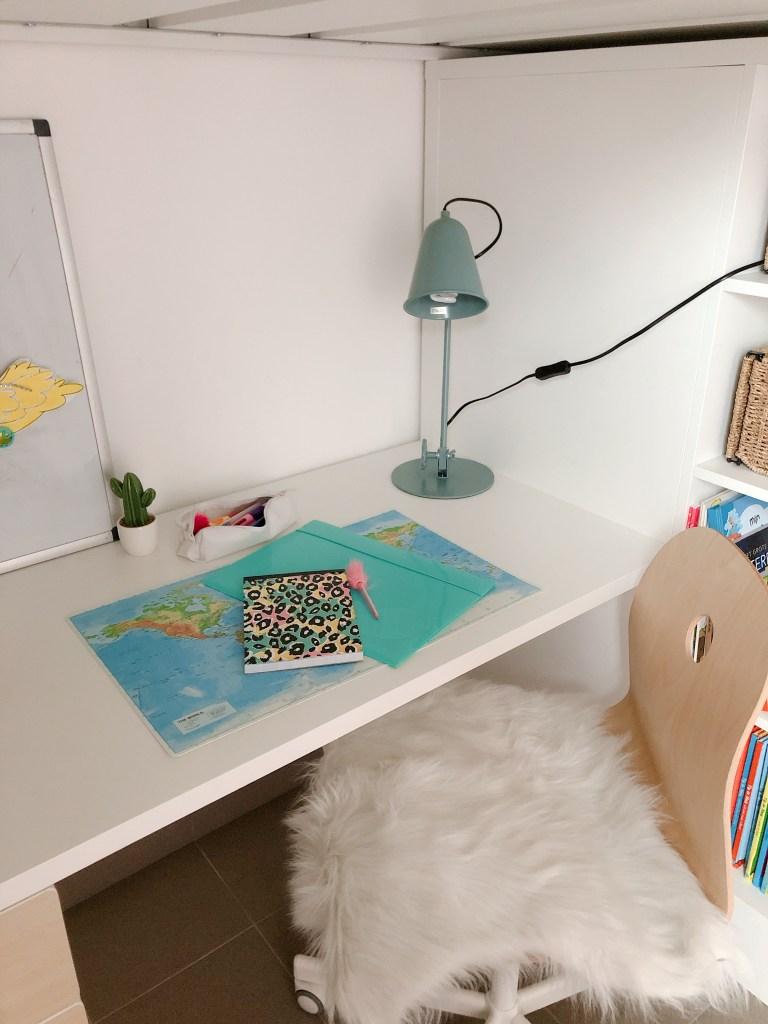 Tips voor het inrichten van een huiswerkplek - bureau voor lagere school kind-1