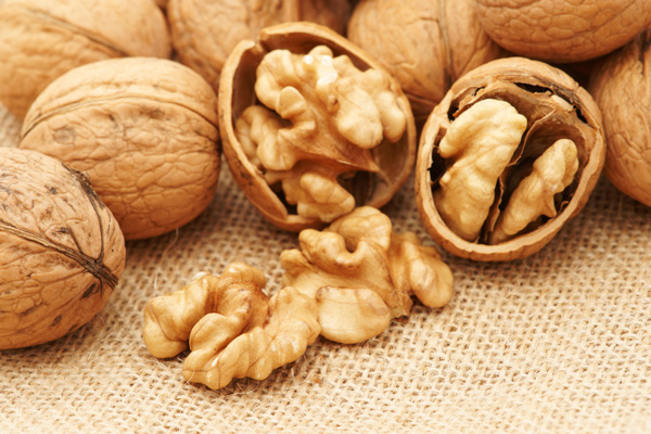 Walnuts, frequent urination and incontinence - Ping Ming Health