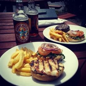 W czasie załatwiania różnych formalności mała przerwa na burgera ;) #burger #beef #chicken #diner