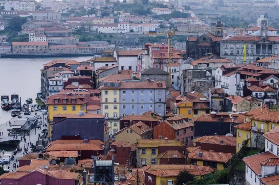 Opuszczone kamienice w Porto