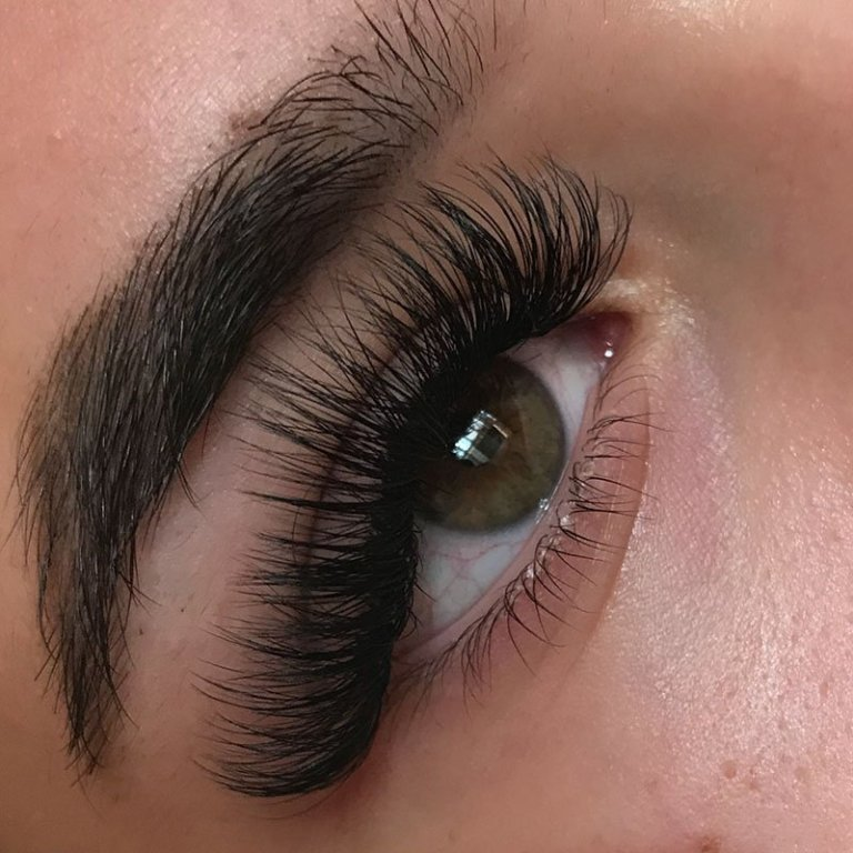 mega-volume-lash-courses-essex