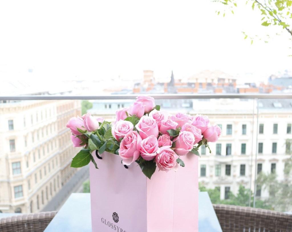 pinkinparis_glossybox_roses