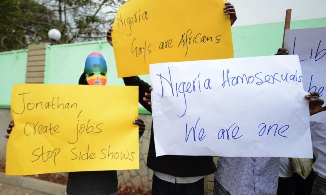 Organizaciones de gays y lesbianas se manifiestan ante la Alta Comisión de Nigeria en Nairobi el 7 de febrero de 2014