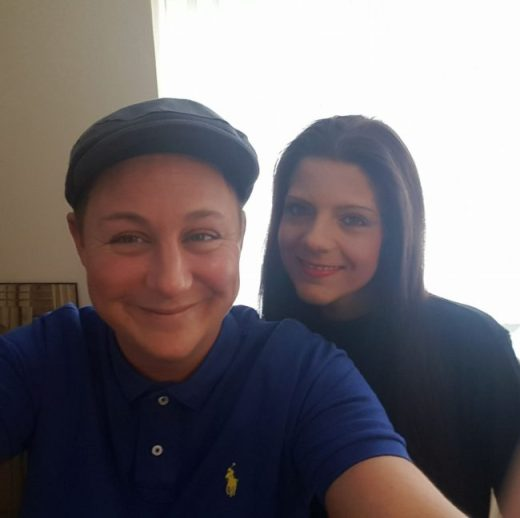 Las madres lesbianas Vikki Parkey y Stephanie Parkey, que viven en Hull.