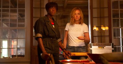 A shot of Maria Rambeau and Carol Danvers from Marvel film Captain Marvel.