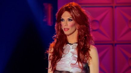 Drag Race queen Kelly Mantle gets eliminated over her runway look.