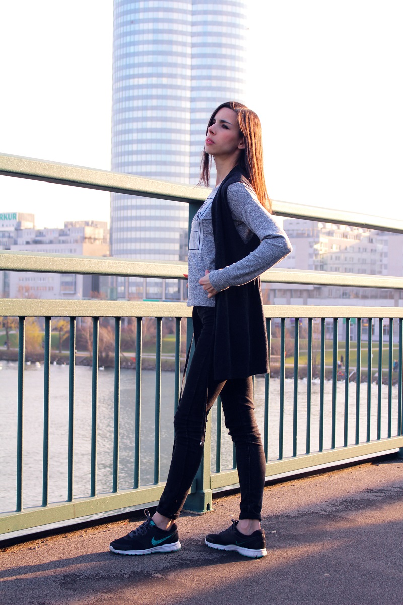 5 gray shirt vest spring outfit