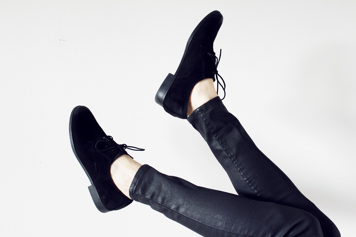 leather black oxford shoes
