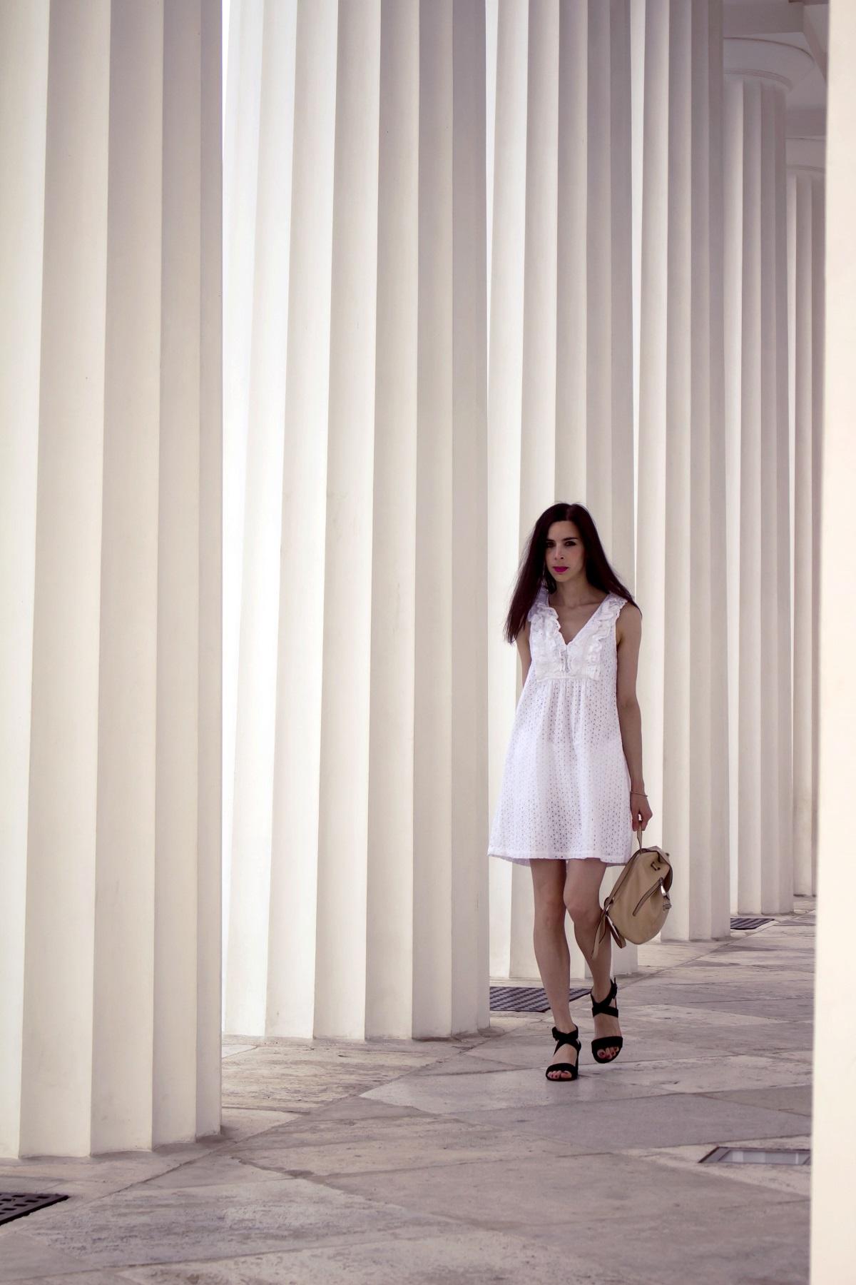 Eyelet-white-dress-volksgarten-wien