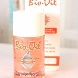 1 of 2x per week smeer ik mijn gezicht en decolleté in met Bio-Oil. Perfect voor de donkere vlekken, en om het weer lekker zacht te maken.