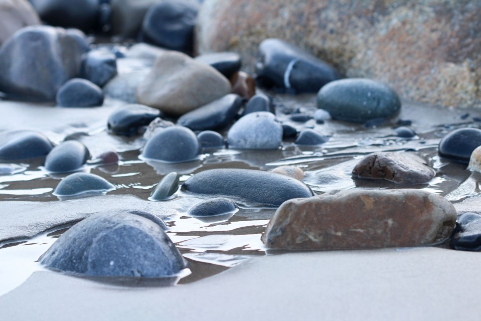 rotsenwater2 - Gronden, centreren en focussen met Rots & water