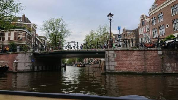 DSC 0047 - Als toerist door Amsterdam met de Pizza Cruise