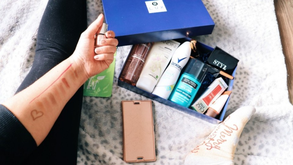 blux 1 - De Blux Box kersteditie 2018   Beauty Box