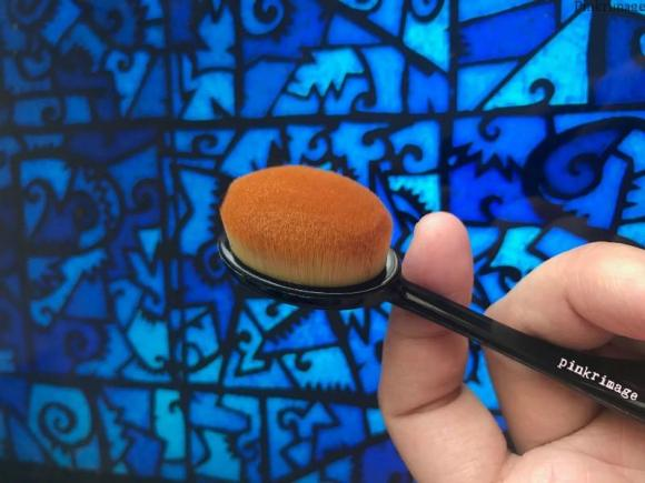 Nykaa BlendMaster Contour Oval Brush – How to Contour + Review