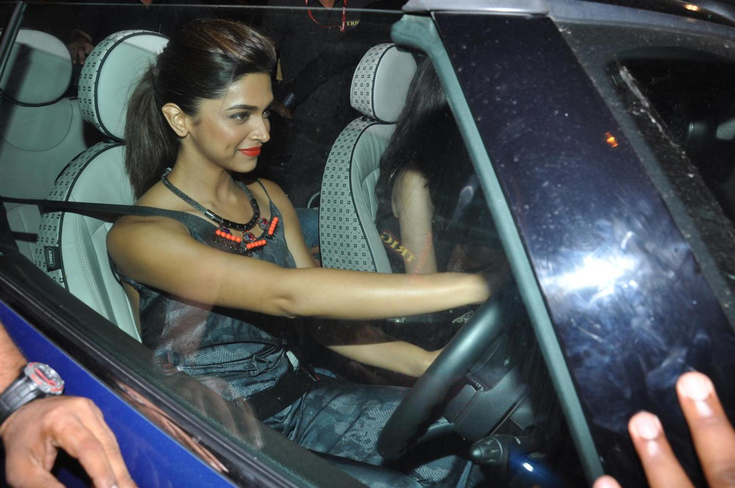 Fast And Furious All Cars Wallpaper Deepika Auditions For Fast And Furious 7 Pinkvilla