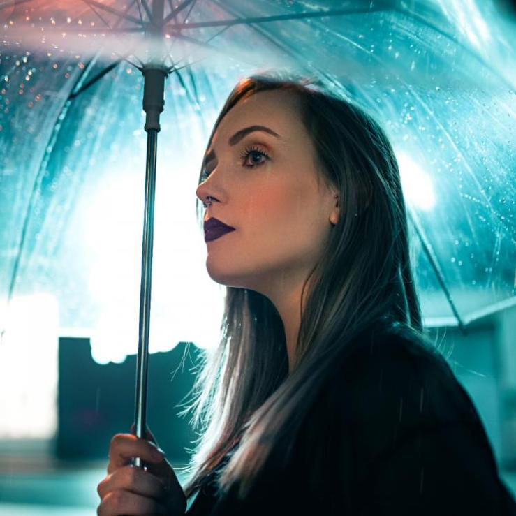 Worried that monsoon might spoil your makeup? Not with these easily doable hacks