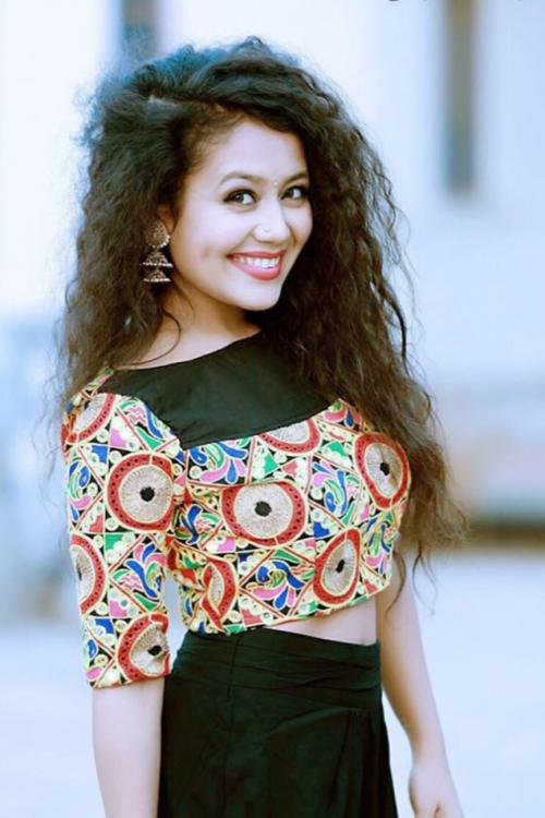 When Neha Kakkar Gifted Her Diamond Ring To A Contestant