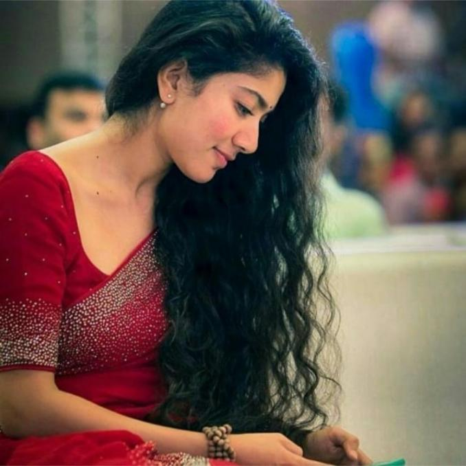 Sai Pallavi in talks to play the lead role of the late actress Soundarya in her biopic?