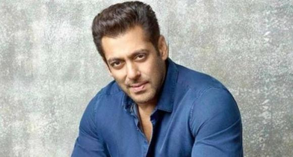Salman Khan Deposits Money Directly Into Movie Workers