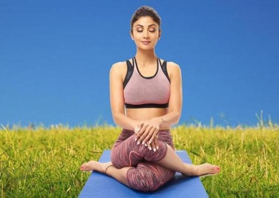Shilpa doing yoga