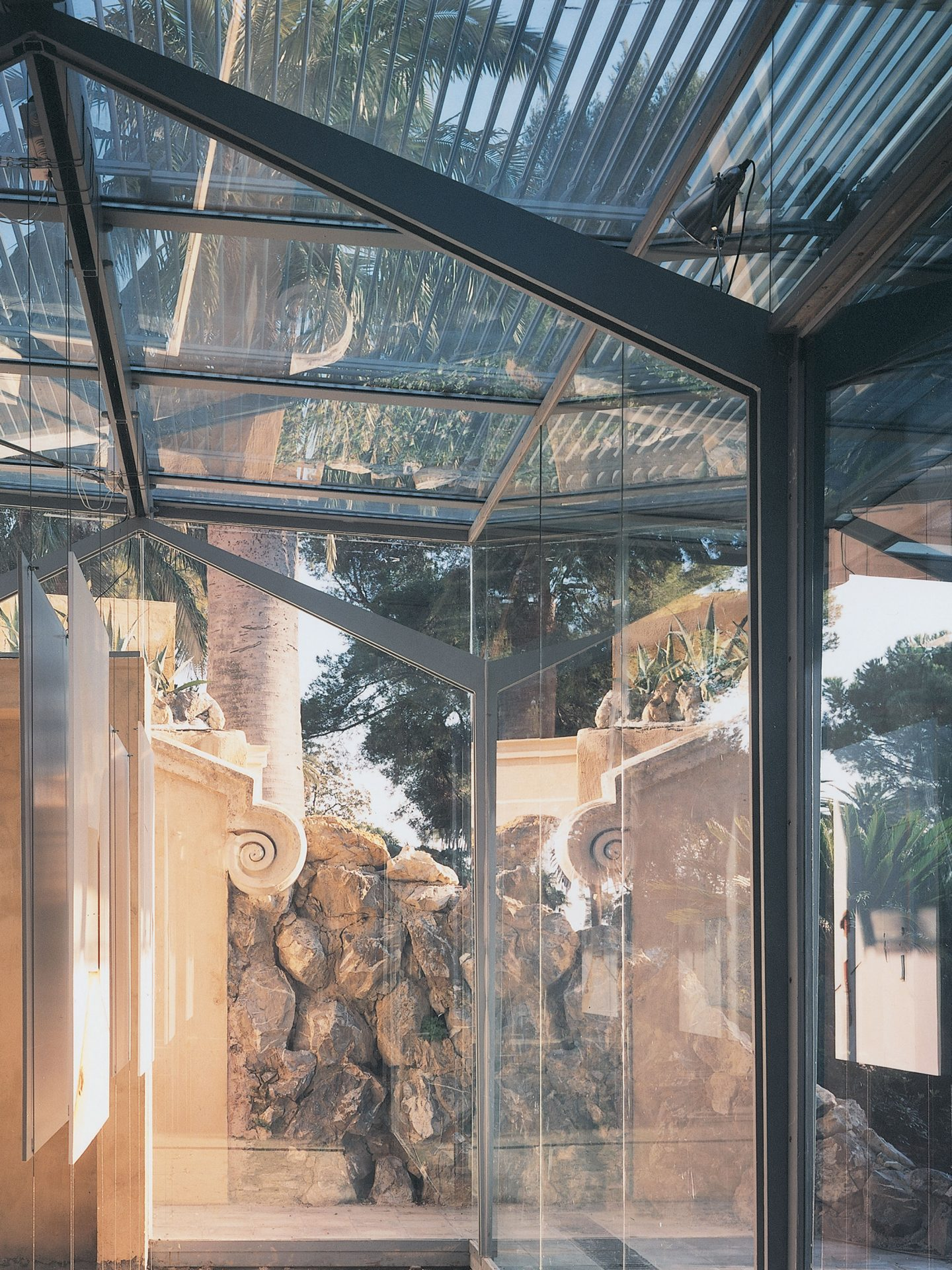greenhouse_in_the_park_structure