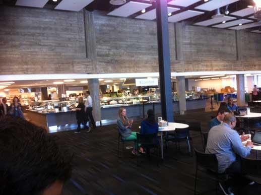 L'hashtag #comfort nella sala mensa di Twitter a San Francisco (photo: Ludovico Fontana)