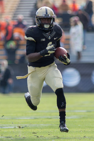 Akeem Hunt runs for 62 yards and a score against Illinois