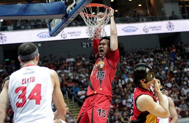 PBA Finals San Miguel Beermen vs Ginebra Game 3-2q