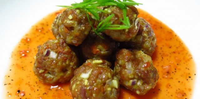 Meatballs in Sweet & Sour Sauce Recipe