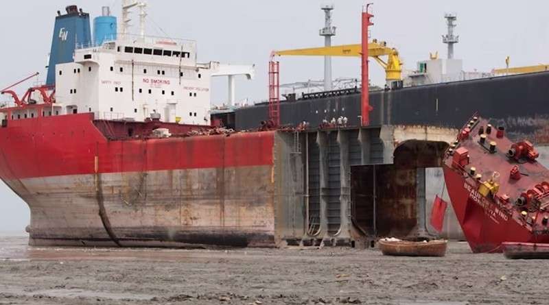 Ship Breaking - One Of The World's Most Dangerous Jobs