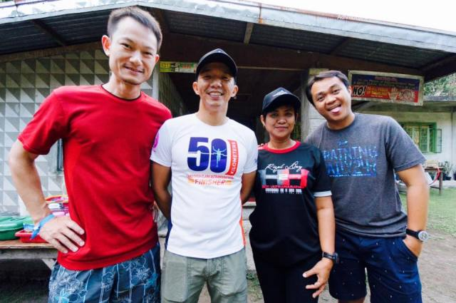 With KarHoe Ng, a Singaporean (Left), me, Lynne Nazareno (right) and Jonathan Dado (far right)