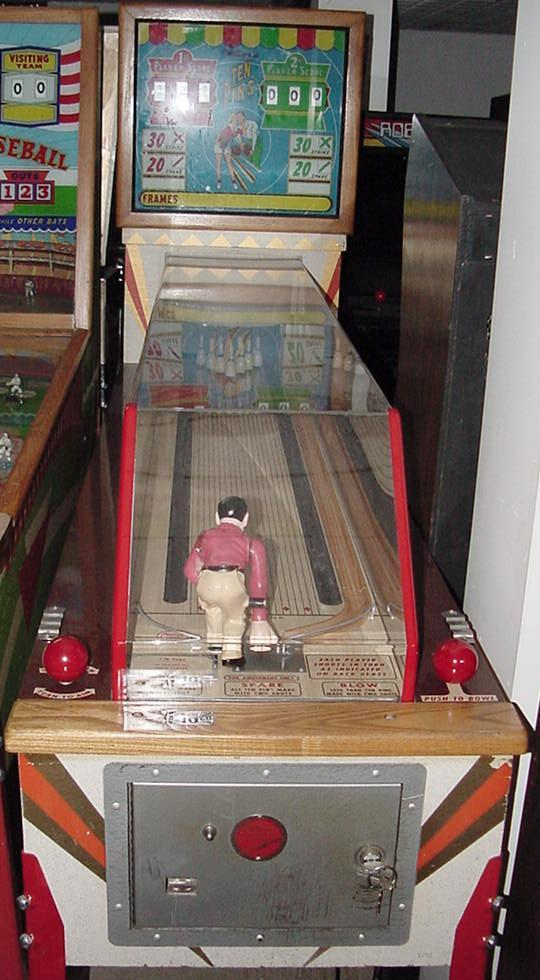 Coin Operated Sports Games Pitch and Bat Baseball
