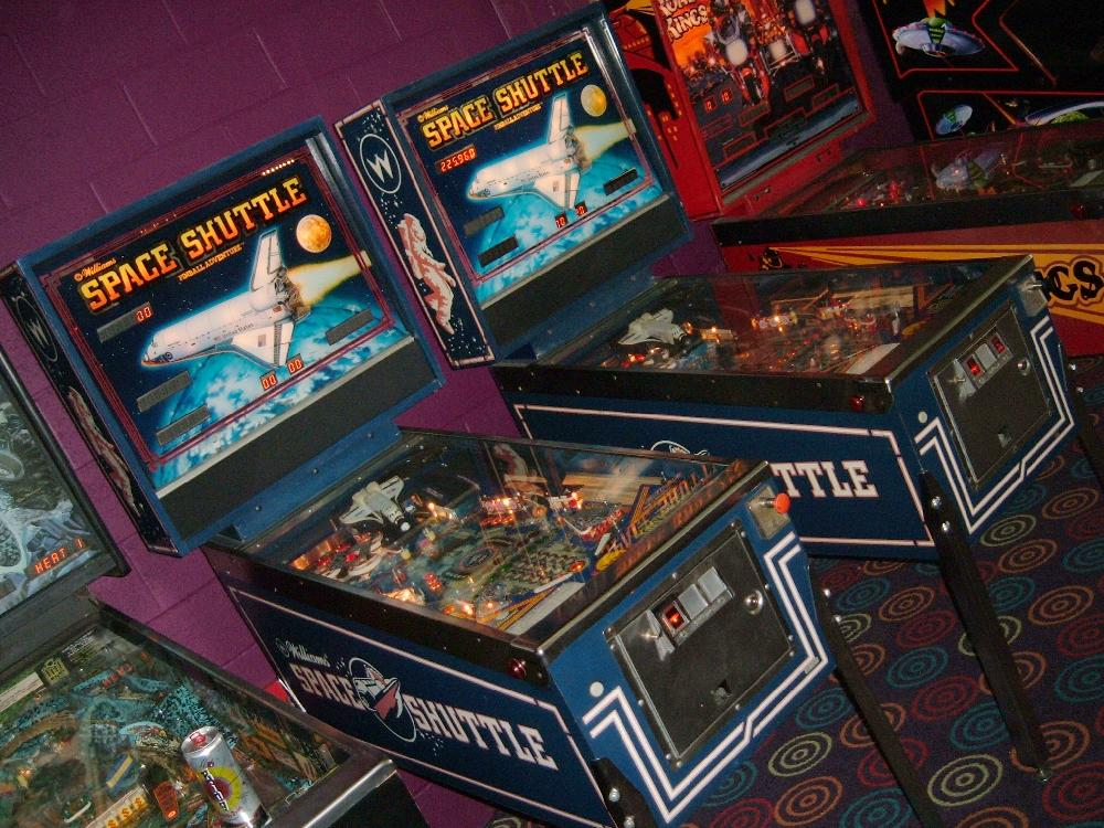 Williams Space Shuttle pinball  collector buying