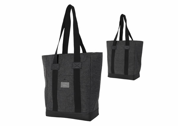HEX Drake Laptop Tote protecting your gadgets
