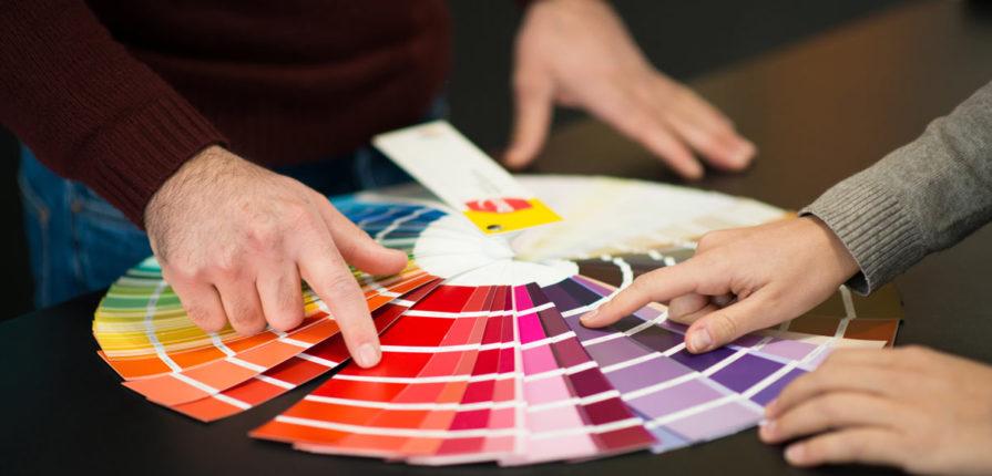 Se avete mai avuto l'occasione di scegliere i colori per le pareti di una stanza o più stanze, per la casa o magari l'ufficio, avrete certamente avuto modo di accorgervi che si tratta di un'impresa non da poco, e un impegno da non prendere alla leggera! Come Scegliere Il Giusto Colore Delle Pareti Pintamos
