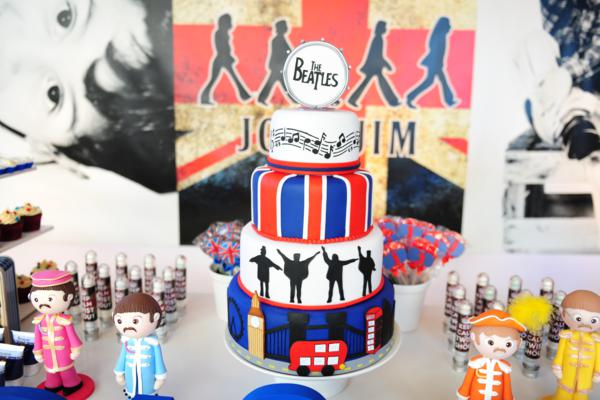 Tarta Beatles_mesa_montada_fiesta_british_Karaspartyideas_PintandoUnaMama