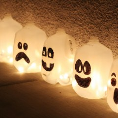 Fantasmas Luminosos para Halloween con Botellas de Agua