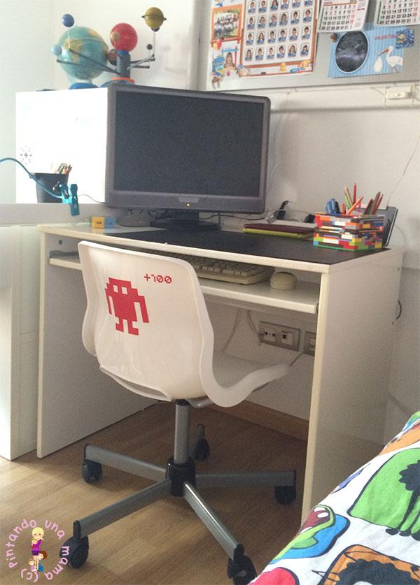 Habitaci n completa para dos ni os de ikea pintando una - Protector mesa escritorio ...