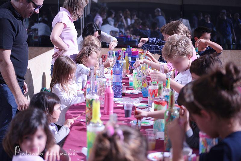 pintando-botella-vino-ninos