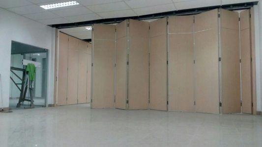 Pintu lipat tipe SAMOWA