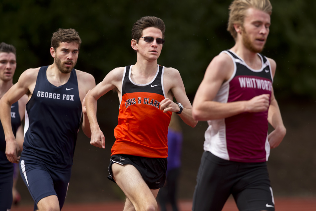 Jeffrey Mullins '18 overtakes his Northwest Conference opponents in distance races. (Image Courtesy LC Pioneers)