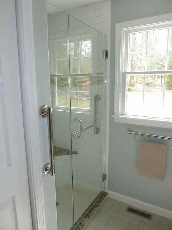 Shower Enclosure with pivot