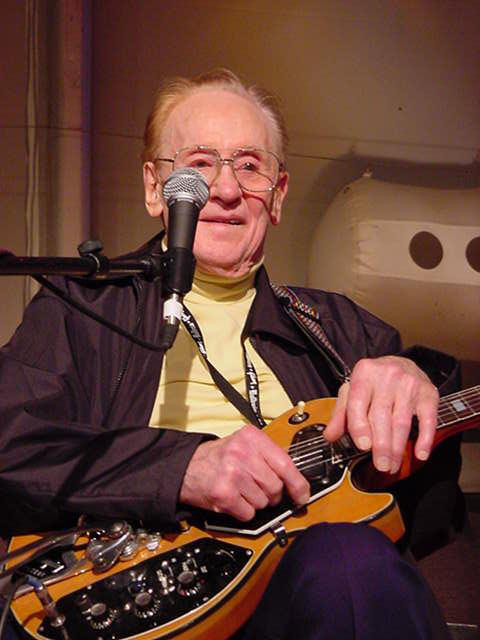 RIP Les Paul (photo from Pioneers Toubadours)