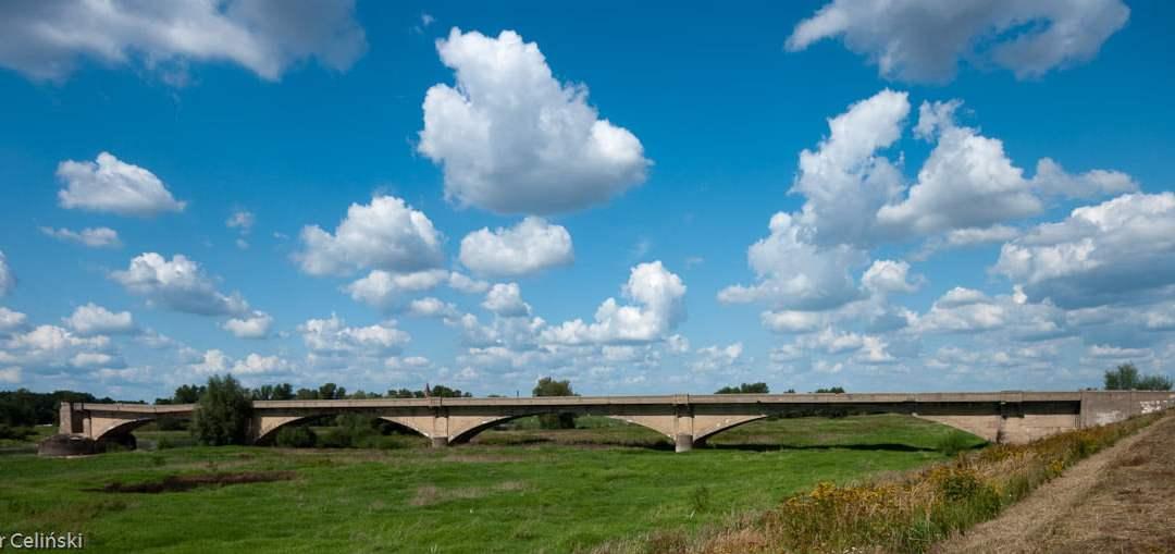 Pół mostu w Kłopocie
