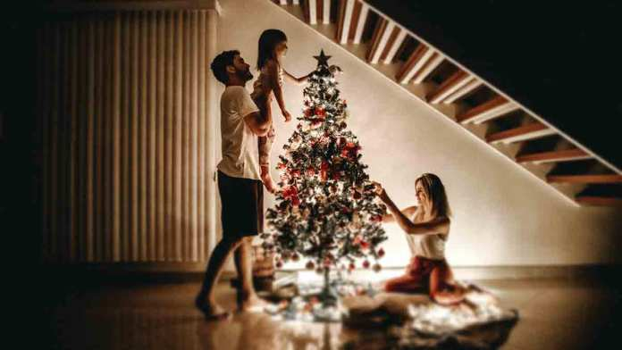 quick-and-straightforward-ideas-for-creating-a-festive-mood-for-the-whole-family-at-home