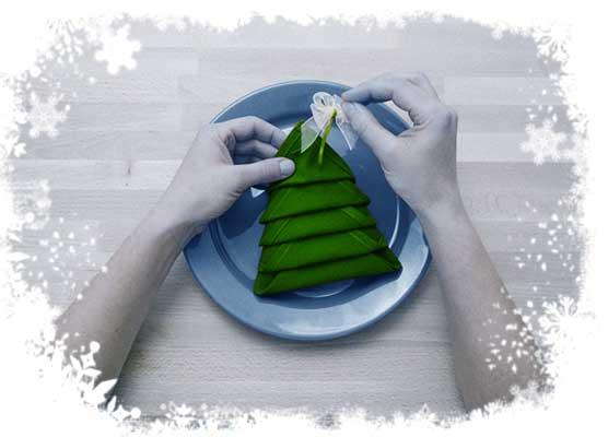 Christmas-tree-folding-tutorial-Adding-a-bow-Step-6.