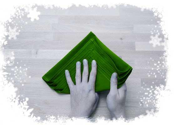 Christmas-tree-folding-tutorial-Holding-the-folds-Step-3.