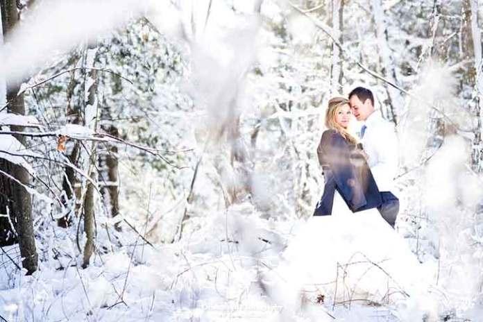Christmas-wedding-photography-winter-and-snow