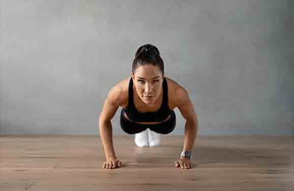 Fitness influencer Kayla Itsines